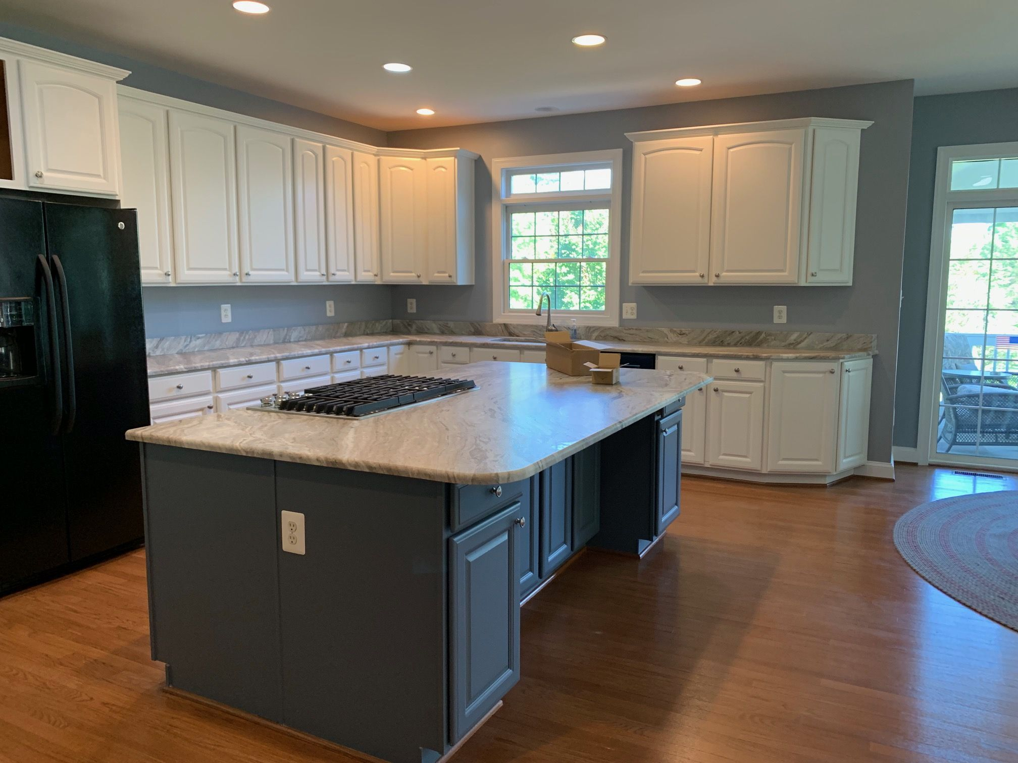 Dem Painting Services Are A Great Interior And Kitchen Cabinet Service Provider For Yo In 2020 Painting Kitchen Cabinets Refinishing Cabinets Refinish Kitchen Cabinets