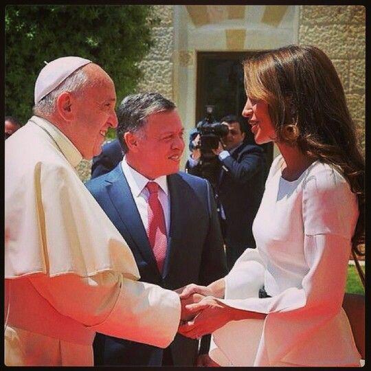 #HisHoliness #Pope Francis I meets #King Abdullah and #Queen Rania of #Jordan yesterday. #shareyourjordan #visitjordan #jordan #jo #takemethere #prayforpeace #holylandpilgrimage #travel #explore #experience #bliss http://instagram.com/p/oY2ryUIkDB/