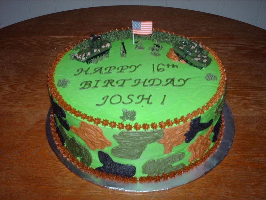 armycakesformen CamoArmy Birthday Cake with army men and tanks
