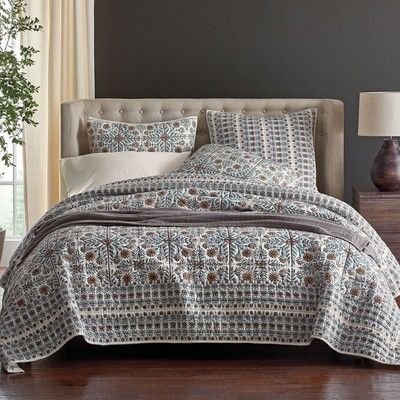 Elegant Cotton Quilt With Traditional Indian Florals