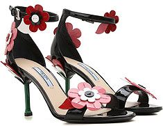 60f557bd3 Sapatos & Tênis Femininos Prada • Raffaello Network | CAÇADOS ...