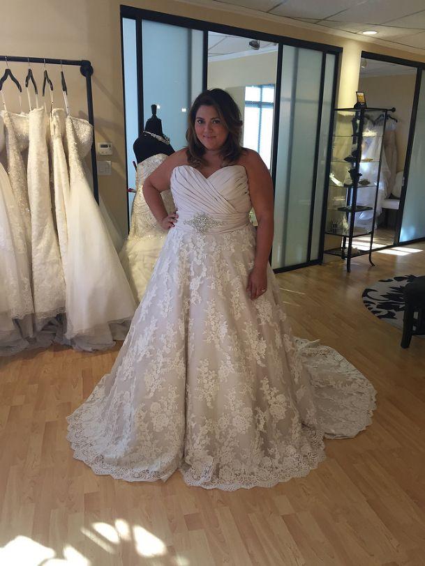 Wedding Dress Shopping for Plus Size Brides | Pretty Pear Bride | Allure Bridal from Della Curva | See more here: http://prettypearbride.com/bridal-blogger-wedding-dress-shopping-for-plus-size-brides/