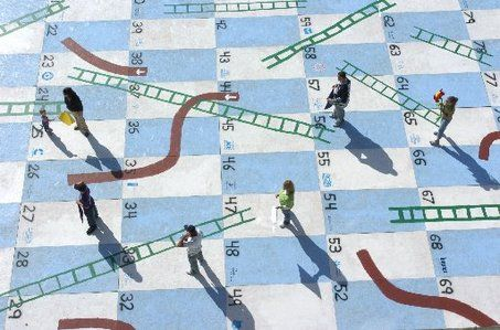 Fallapalooza visitors compete in life-size board game | Arbors ...