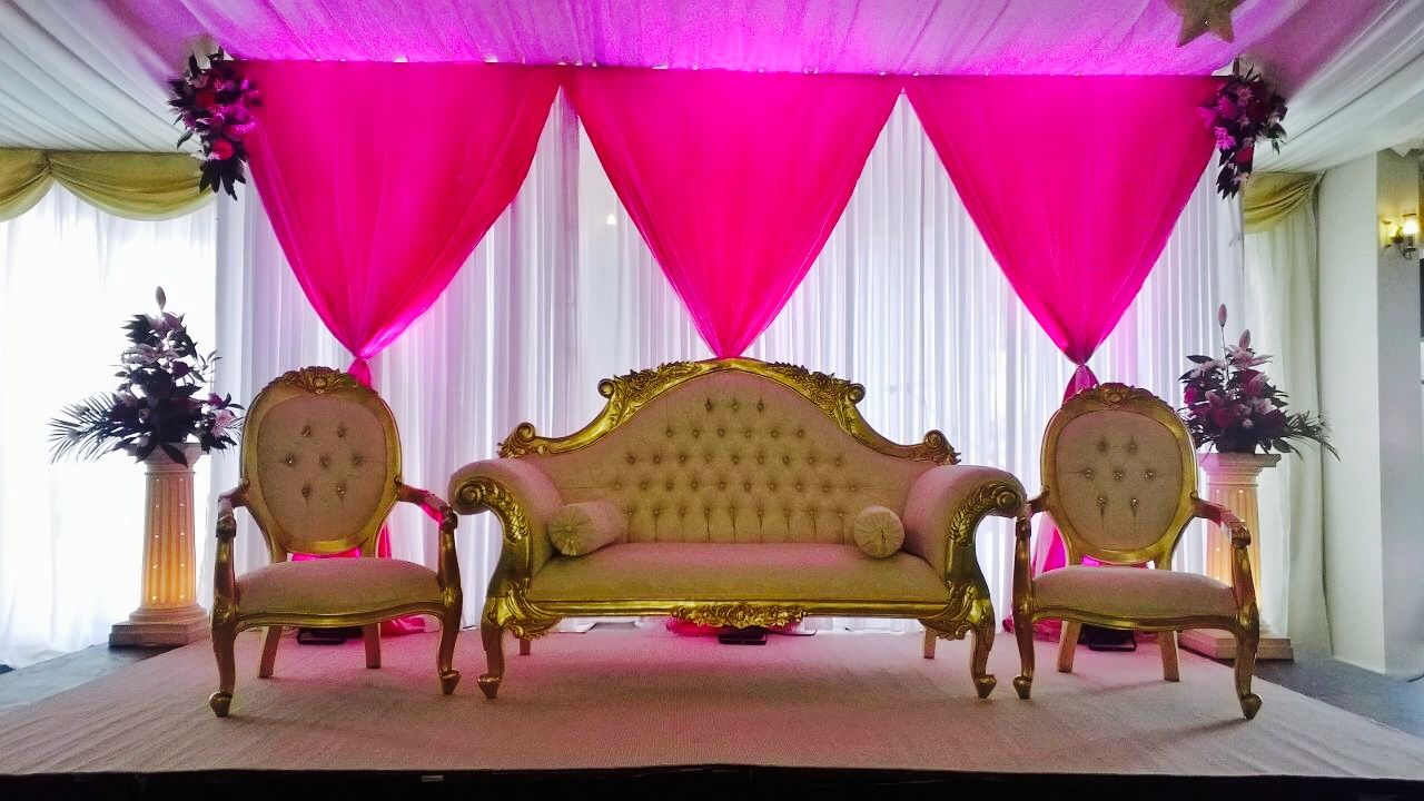 Wedding sofa stage decorations at goosedale nottingham wedding wedding sofa stage decorations at goosedale nottingham junglespirit Images