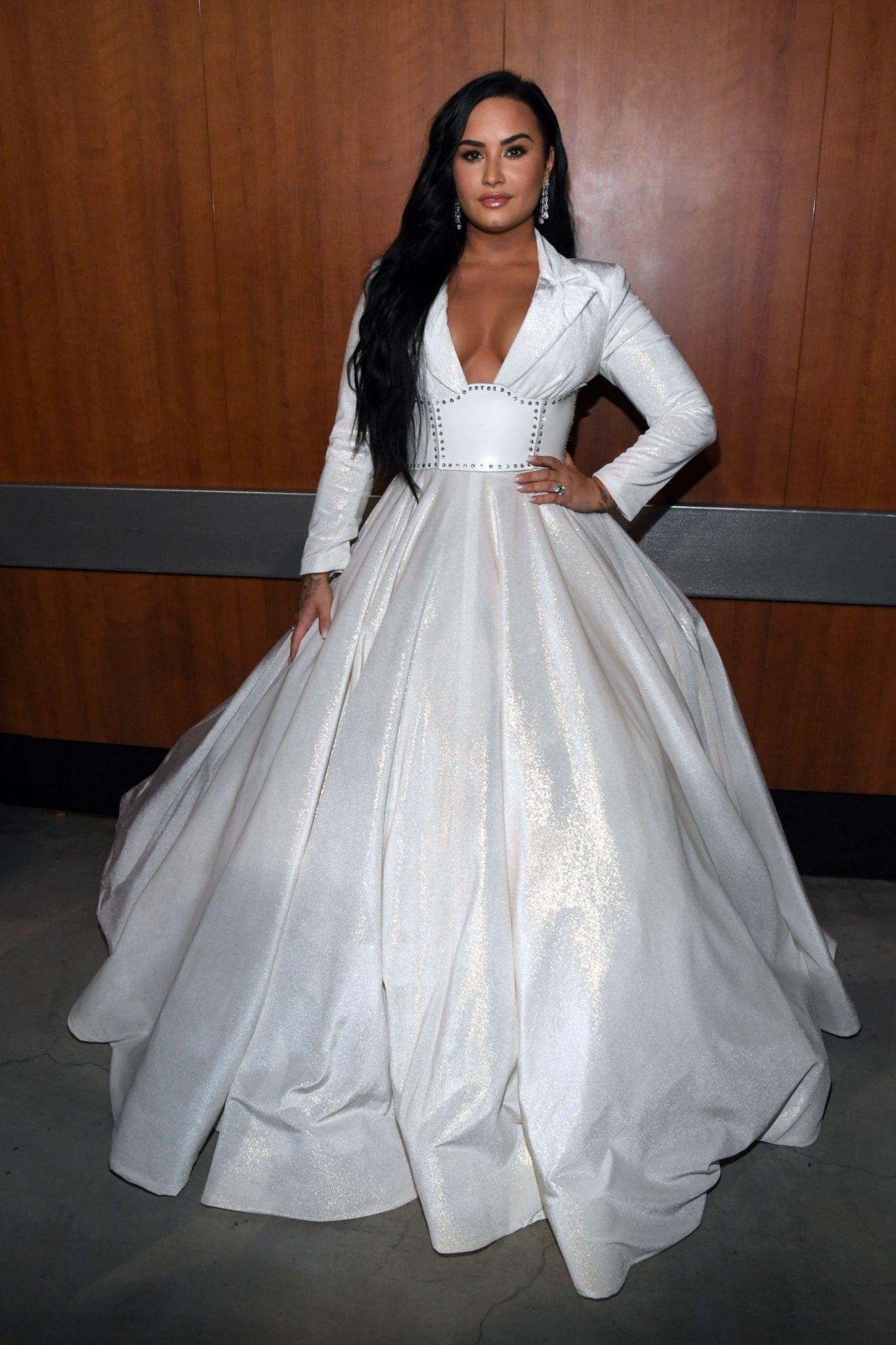 Demi Lovato At Grammys Backstage In 2020 Demi Lovato Style Demi Lovato Style Outfits Demi Lovato Pictures