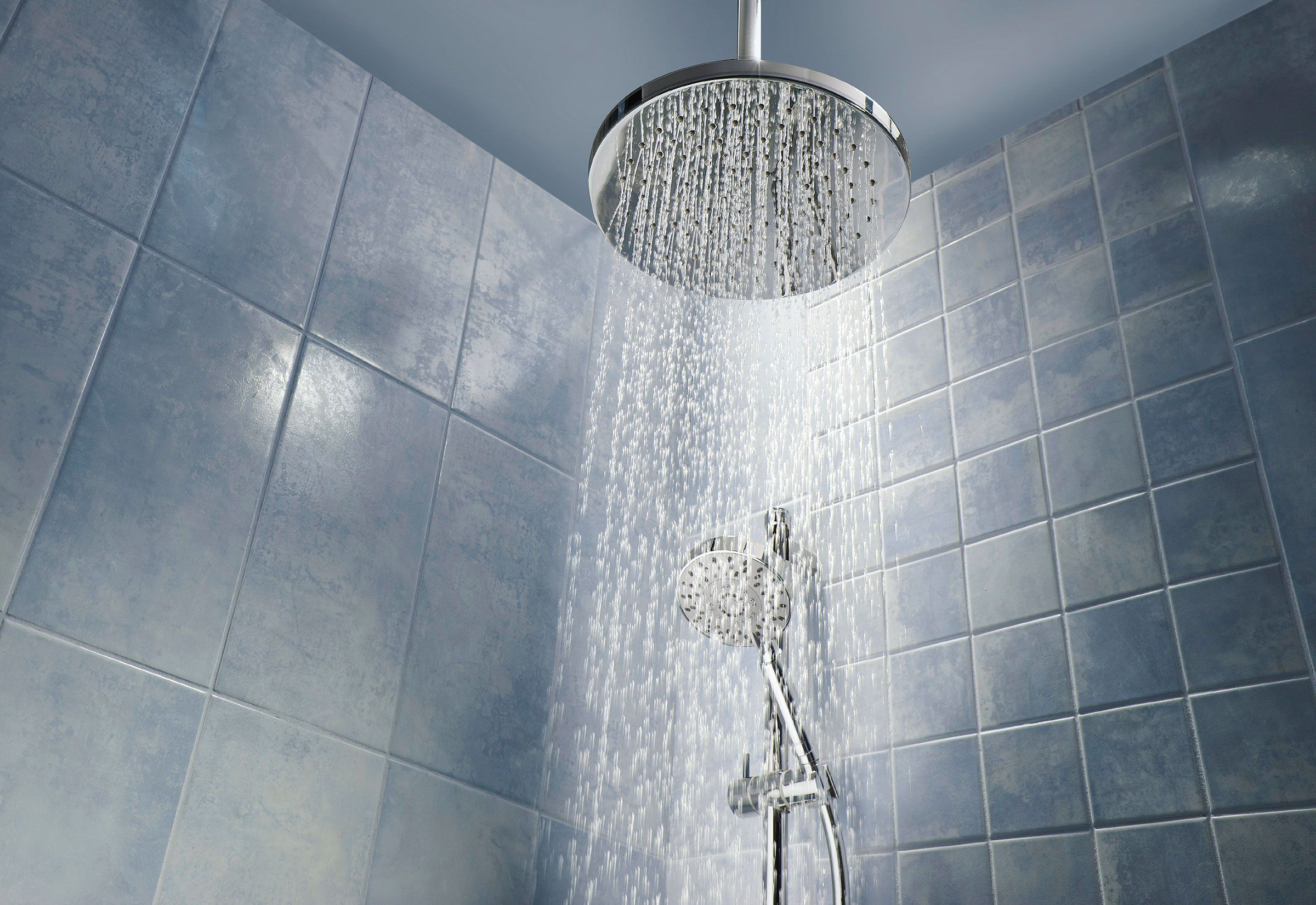 8 Ways You\'re Probably Showering Wrong