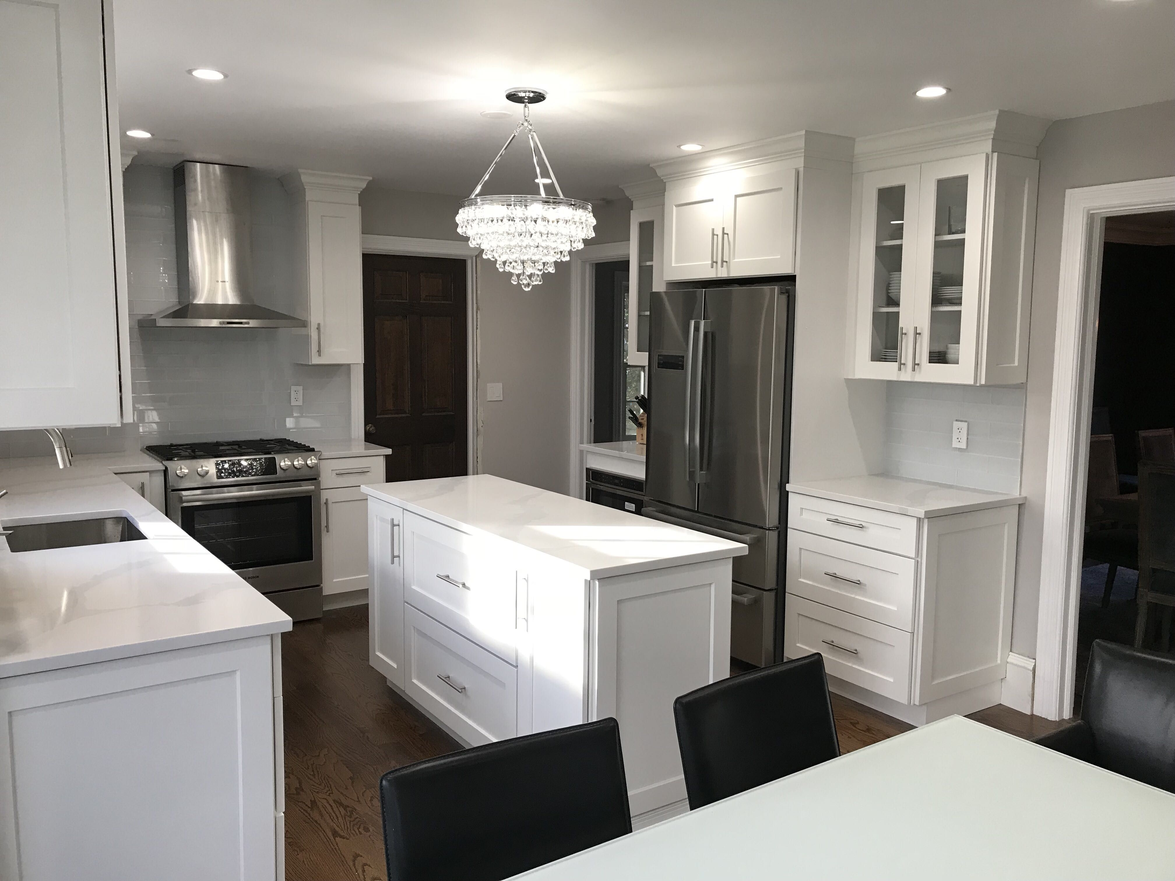 Best White Shaker Cabinets With Glass Subway Tile And Warm 640 x 480