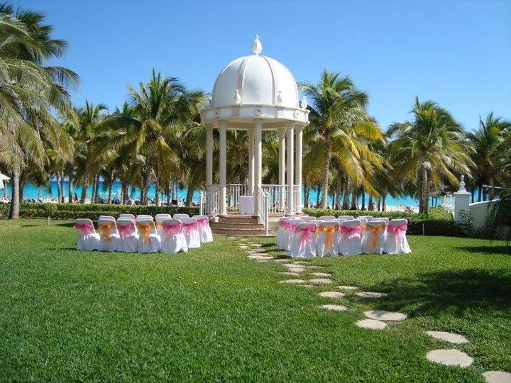 I Love The Set Up Of This Wedding Ceremony At Riu Palace Riviera Maya In Playa Del Carmen