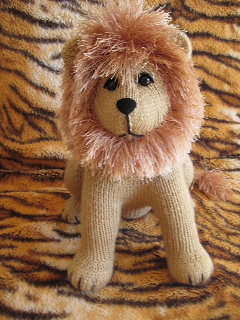 Roary The Lion Pattern By Sharon Birss Lions Ravelry And Patterns