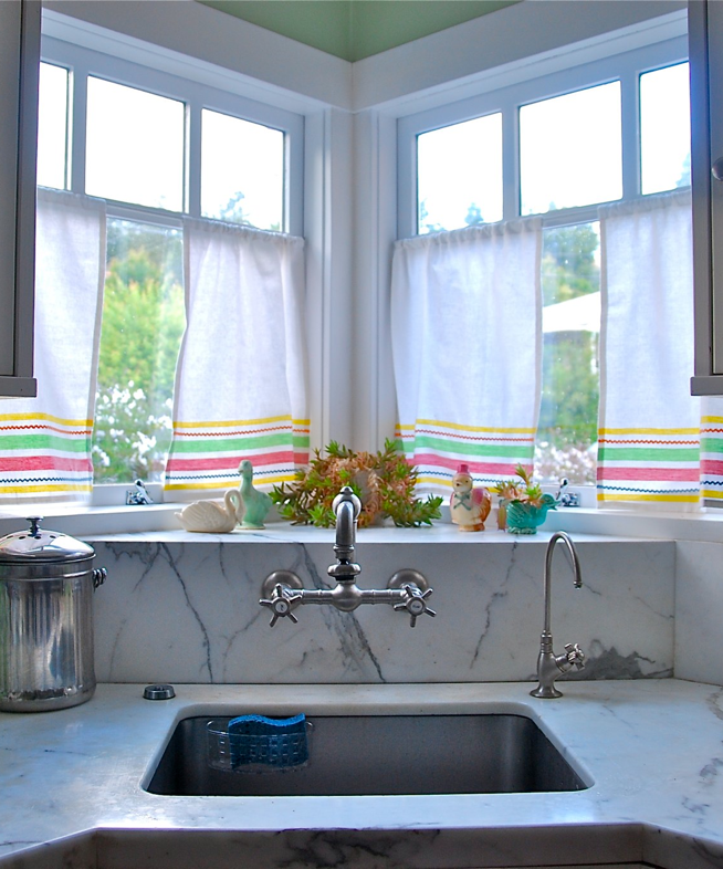 Curtains Out Of Dish Towels. I LOVE That Kitchen, A Corner