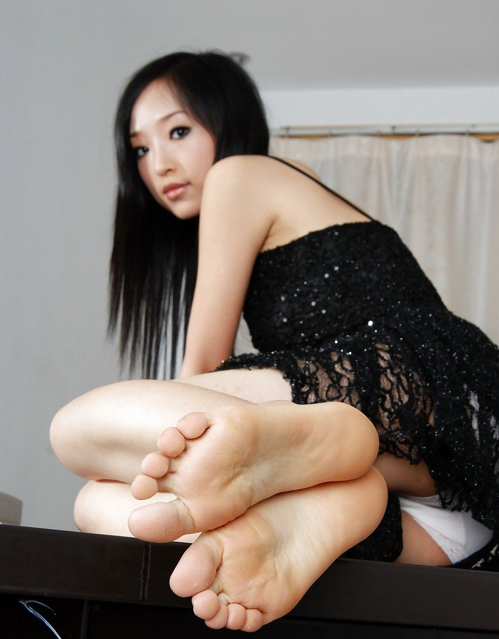 feet asian Cum soles on and