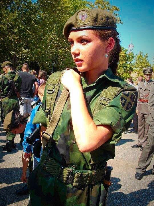 Epingle Sur Serbian Female Soldiers