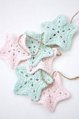 Free crochet pattern for star garland