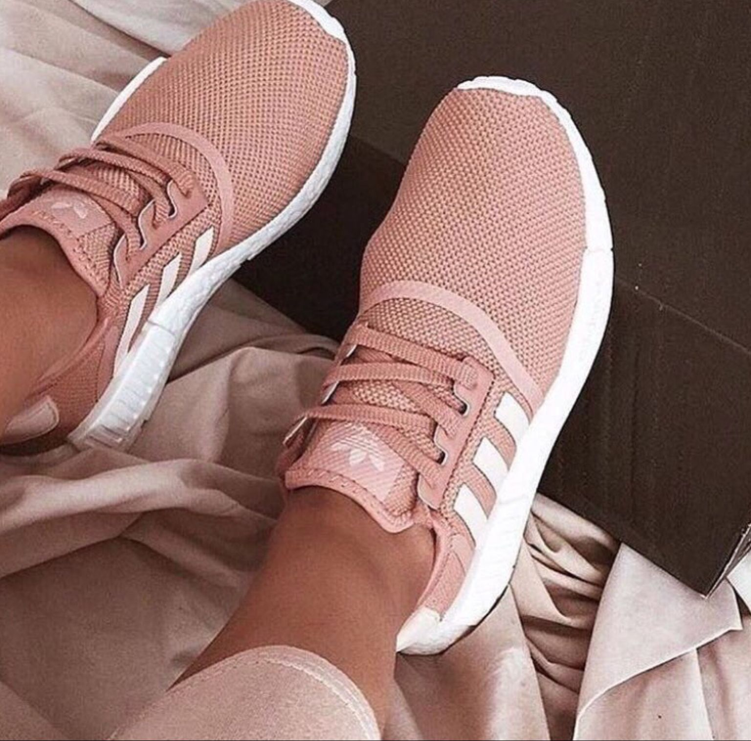 712eb09ae10ee Light Pink Adidas. I need these