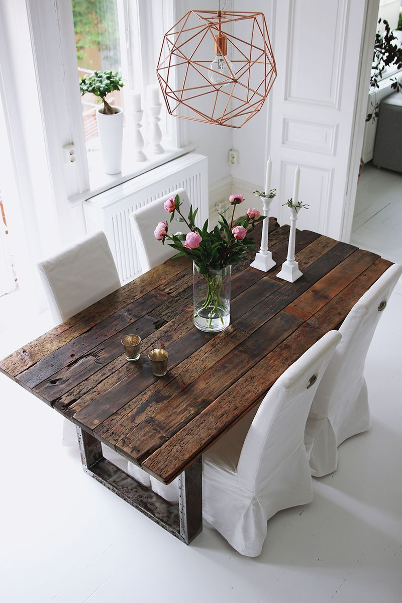 Lovely Rustic Table And Geometric Chandelier