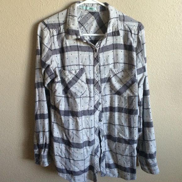 Maurices flannel shirt Super soft maurices polka dot flannel. Size medium! Maurices Tops