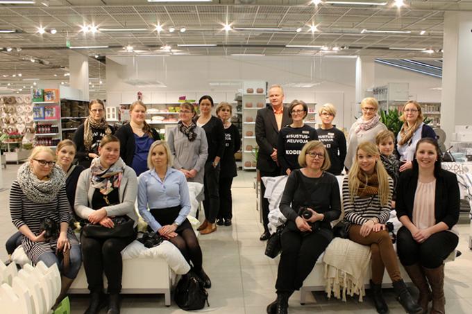 Kodin1, Åblogien sisustusilta Raision Kodin Ykkösessä, Tohkeissaan. http://kotivalossa.blogspot.fi/2015/02/voi-sita-inspiraation-maaraa.html