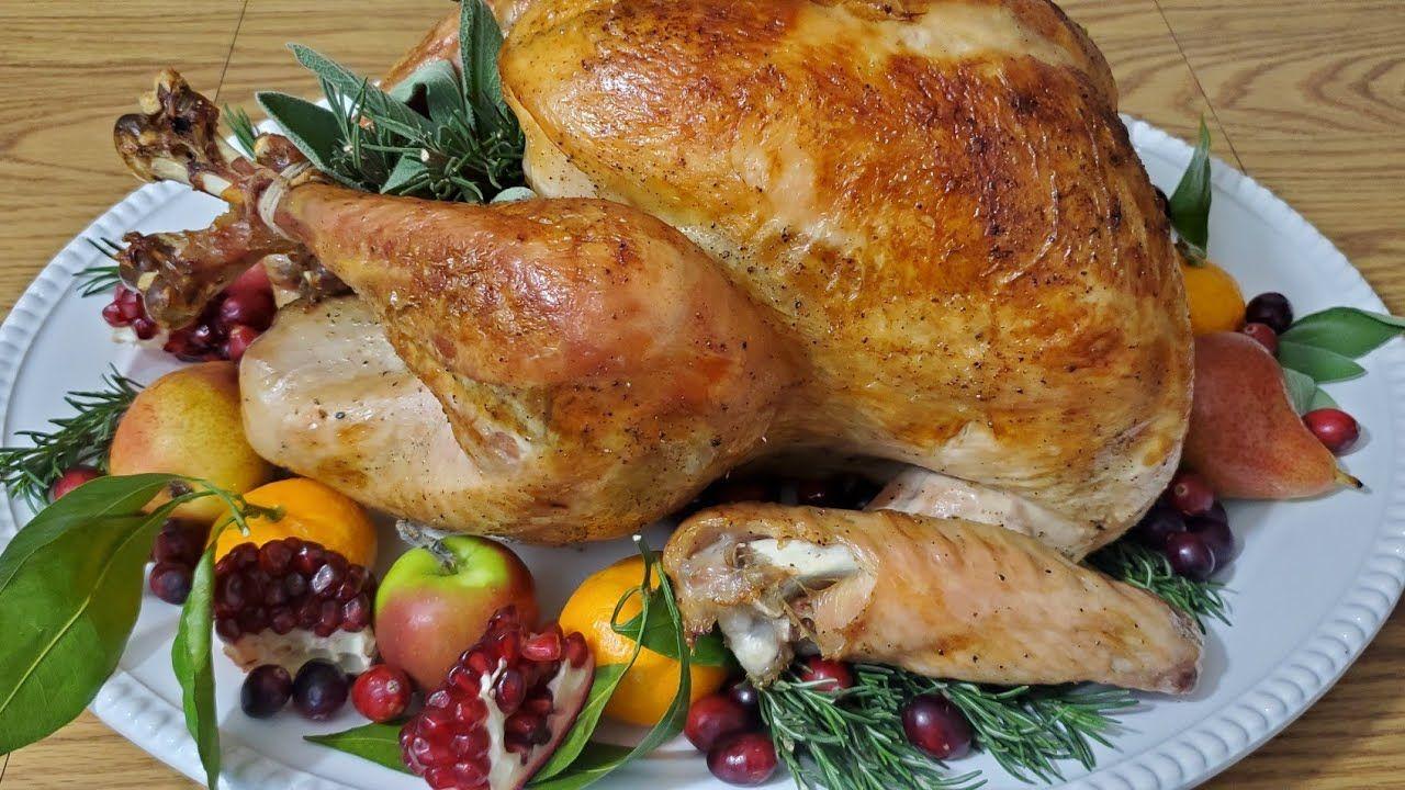 طريقة تحضير الحبشة المشوية بالفرن الديك الرومي Best Roasted Turkey Recipe For Your Thanksgiving Thanksgiving Side Dishes Thanksgiving Sides Chicken Dishes