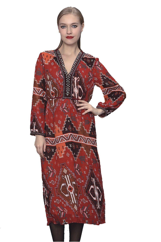 1ef3301c715 Tsarine pour l hiver robe longue à manches décolleté V