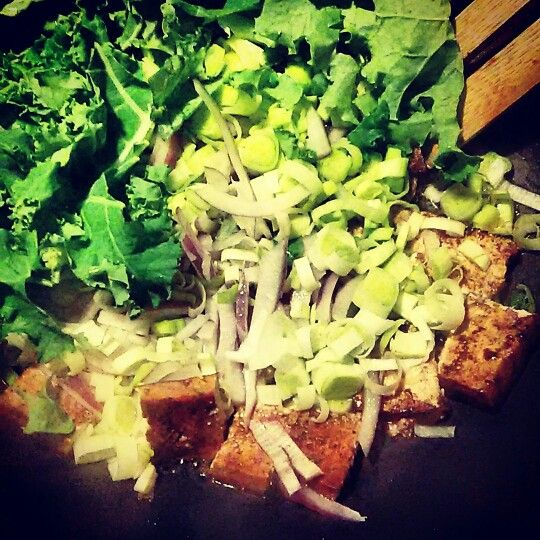 #yummy #cleaneating #kale #tofu #leeks #purpleonions #seasalt #blackpepper #balsamicvinegar :-) :-) :-) :-) #behealthybehappy #healthy #ideas #fitness #lifestyle