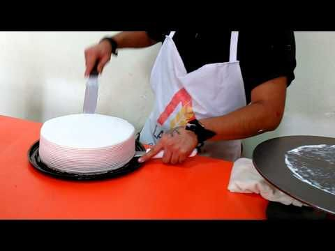 Cómo pasar un pastel del disco giratorio a la base - YouTube