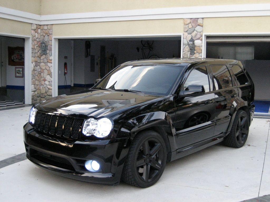 Hmmm I Might Like The Black On Black Better Then Silver Jeep Srt8 Jeep Grand Cherokee Srt Jeep Grand Cherokee