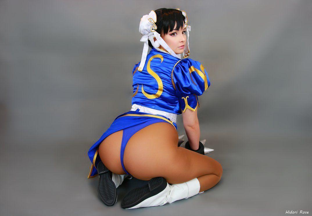 Hot Chun Li Cosplay
