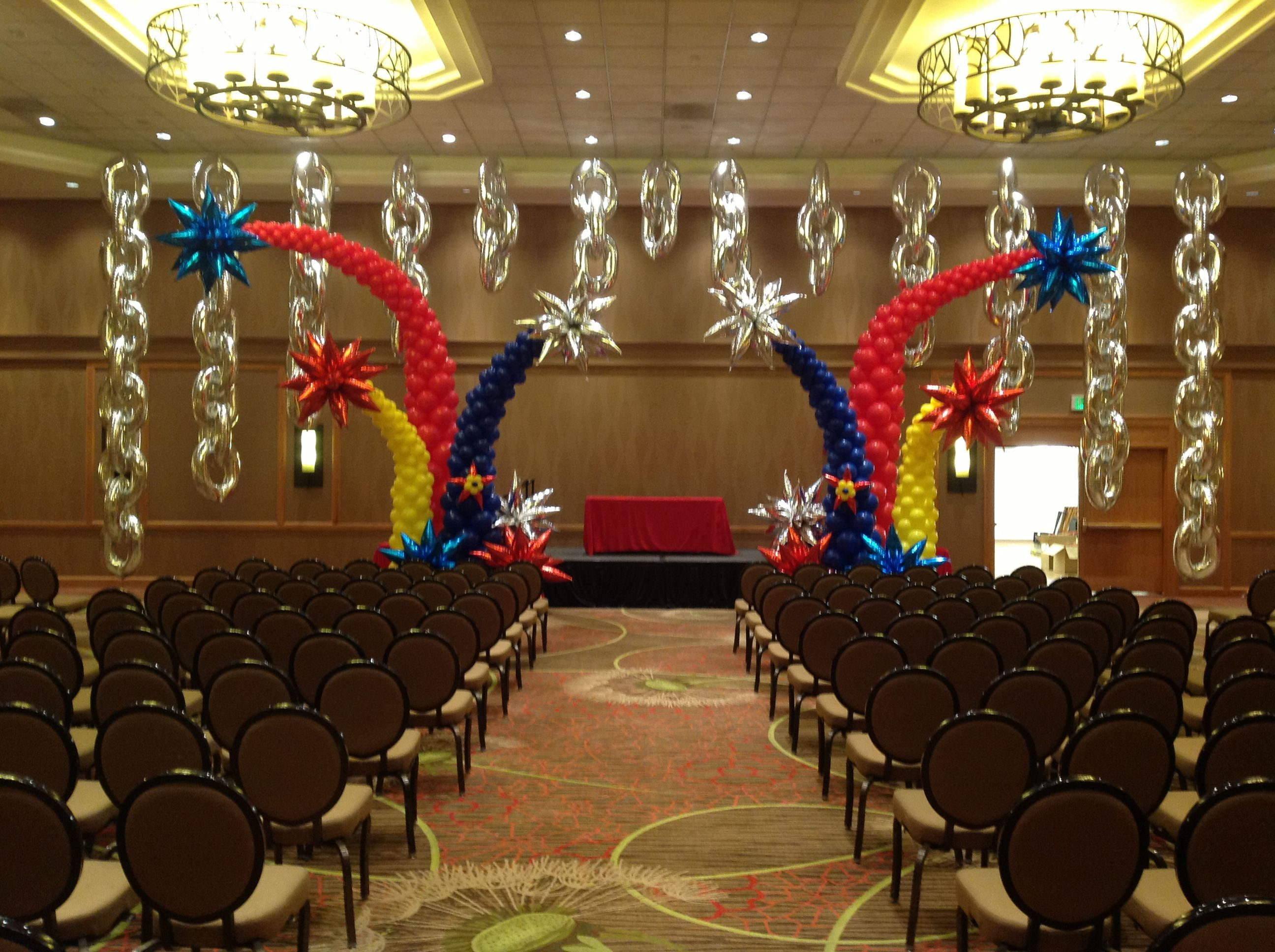Stage decor for the qbn at the wbc denver 2014 for Balloon decoration for stage