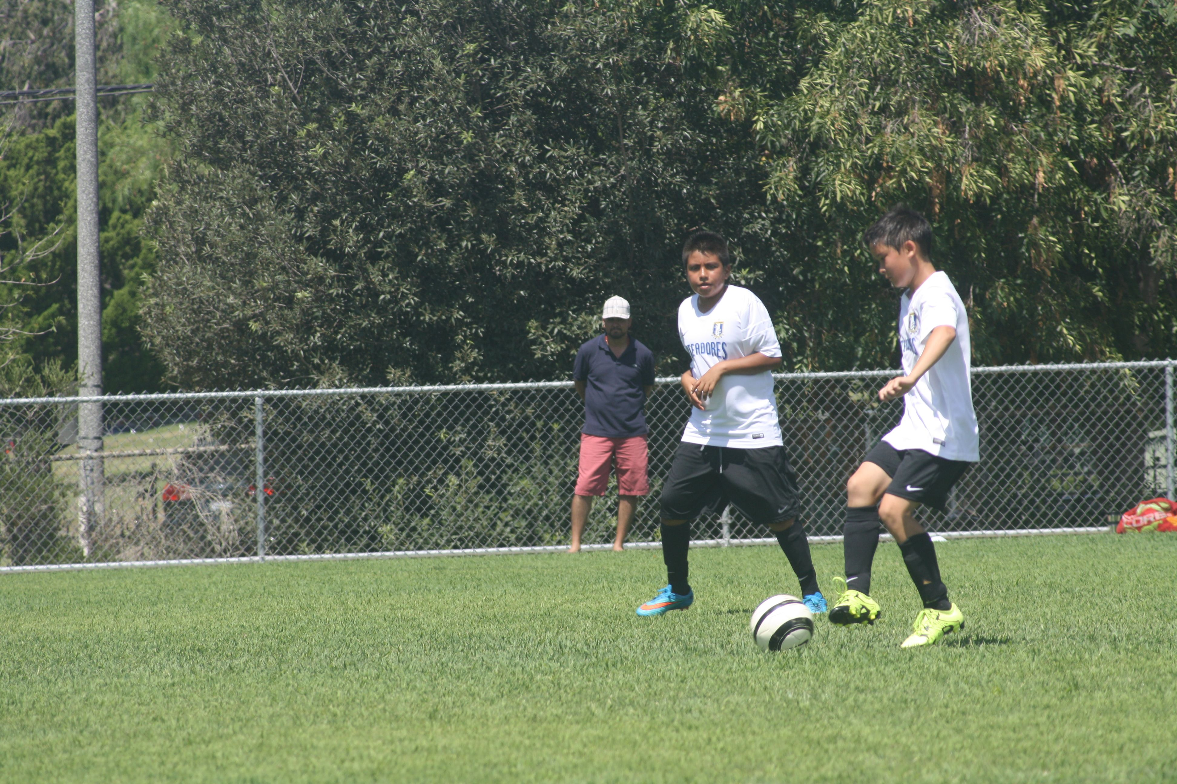 Pin By Kevin Tanaka On Pateadores La B03 Cruz Soccer Club Soccer League Youth Soccer