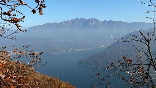 Entre Carona et Morcote, non loin de l'Alpe Vicania: vue sur le Lago di Lugano et le Monte Generoso