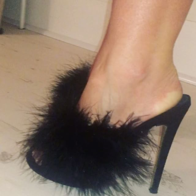 Our BELLA marabou feather mules in