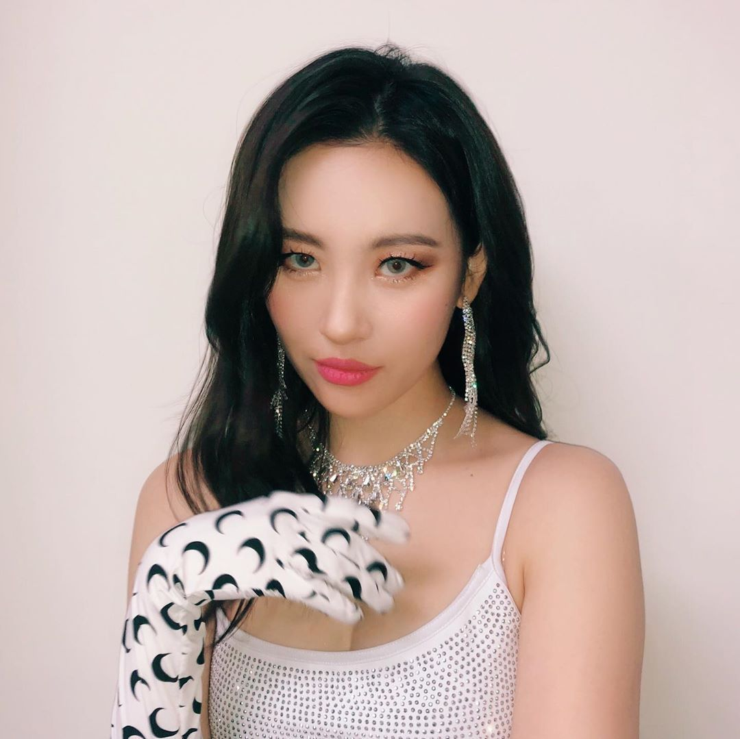 Sunmi On Instagram Kpop Girls Korean Beauty Makeup Looks