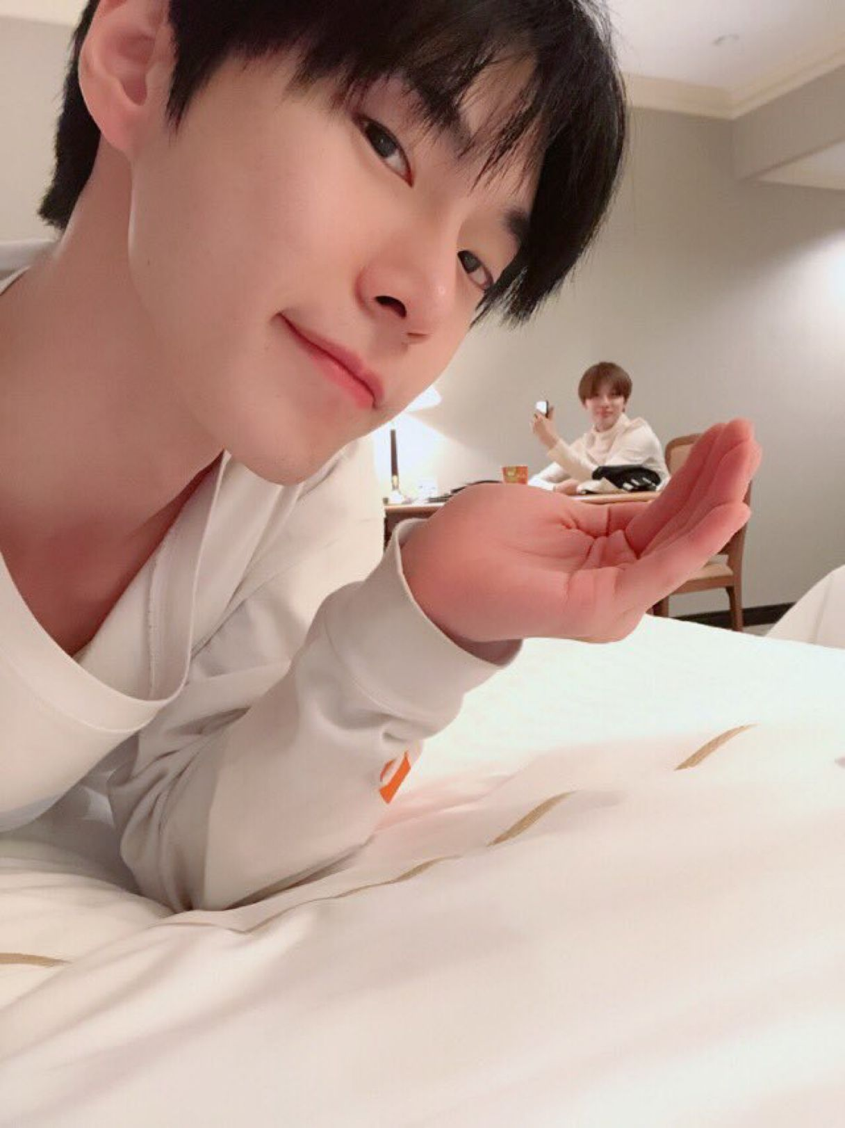 i thought taeyong was edited here aksjsk💀 Nct doyoung
