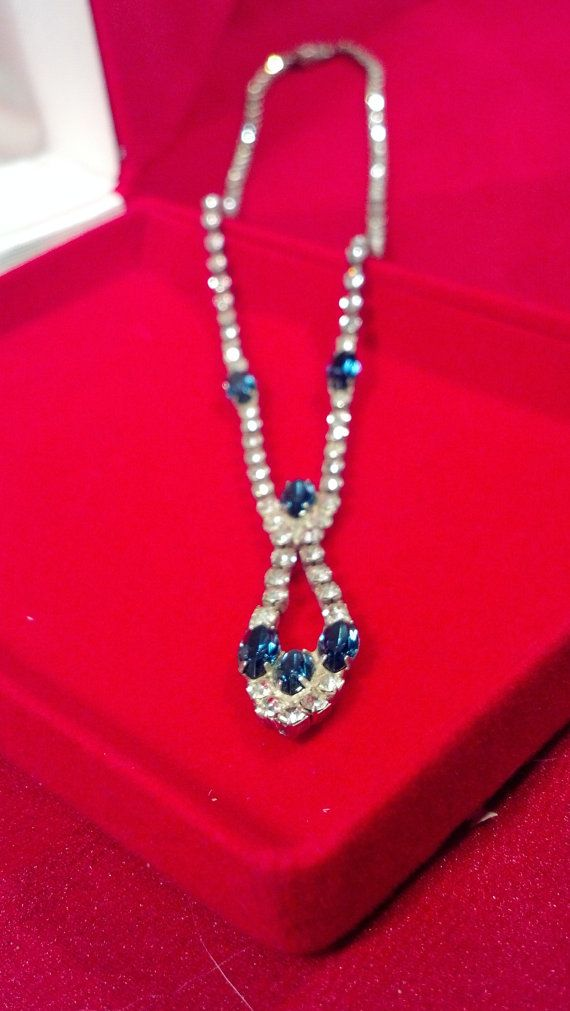 Vinate white with dark saphire blue aurora borealis in teardrop cut accented rhinestone necklace