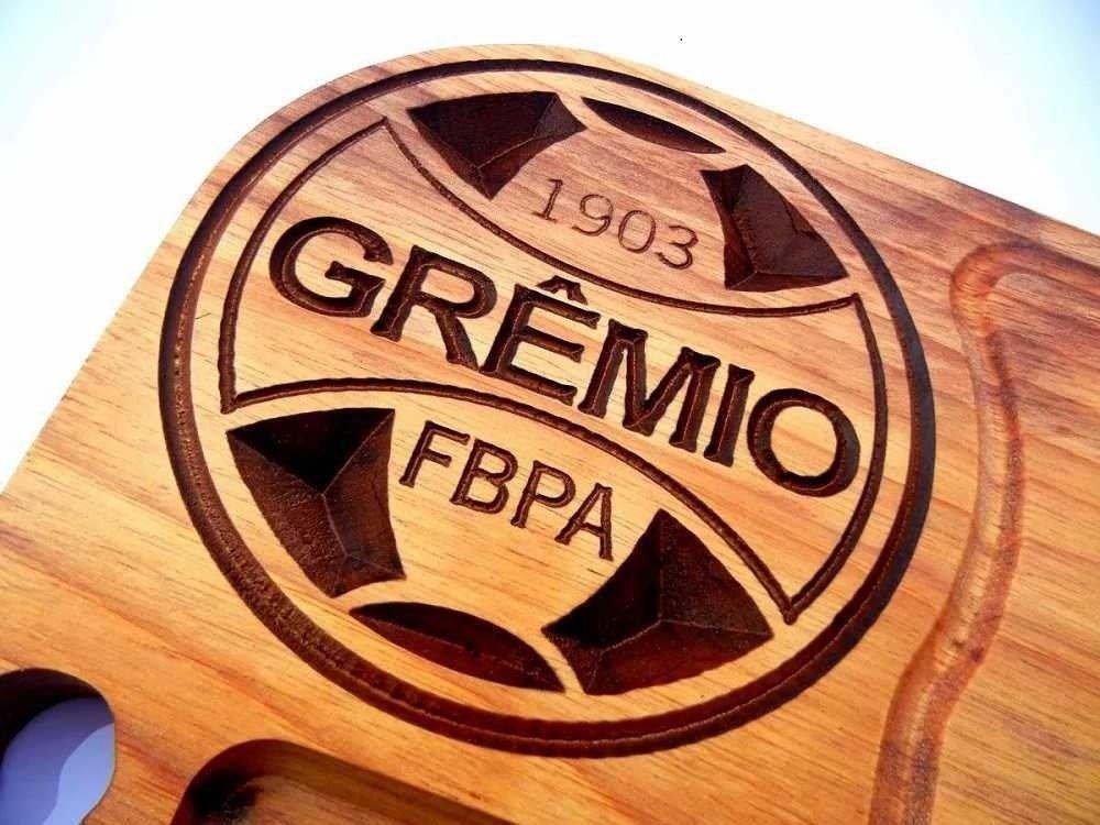 e6287cb348 Tábua de carne em madeira para churrasco personalizada time Grêmio -  Adrishop - Sua Loja de Variedades