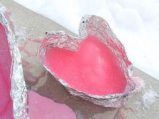 homemade heart shaped ice mold...Cute idea,maybe for the porch, or the yard. Grey's birthday, valentines?