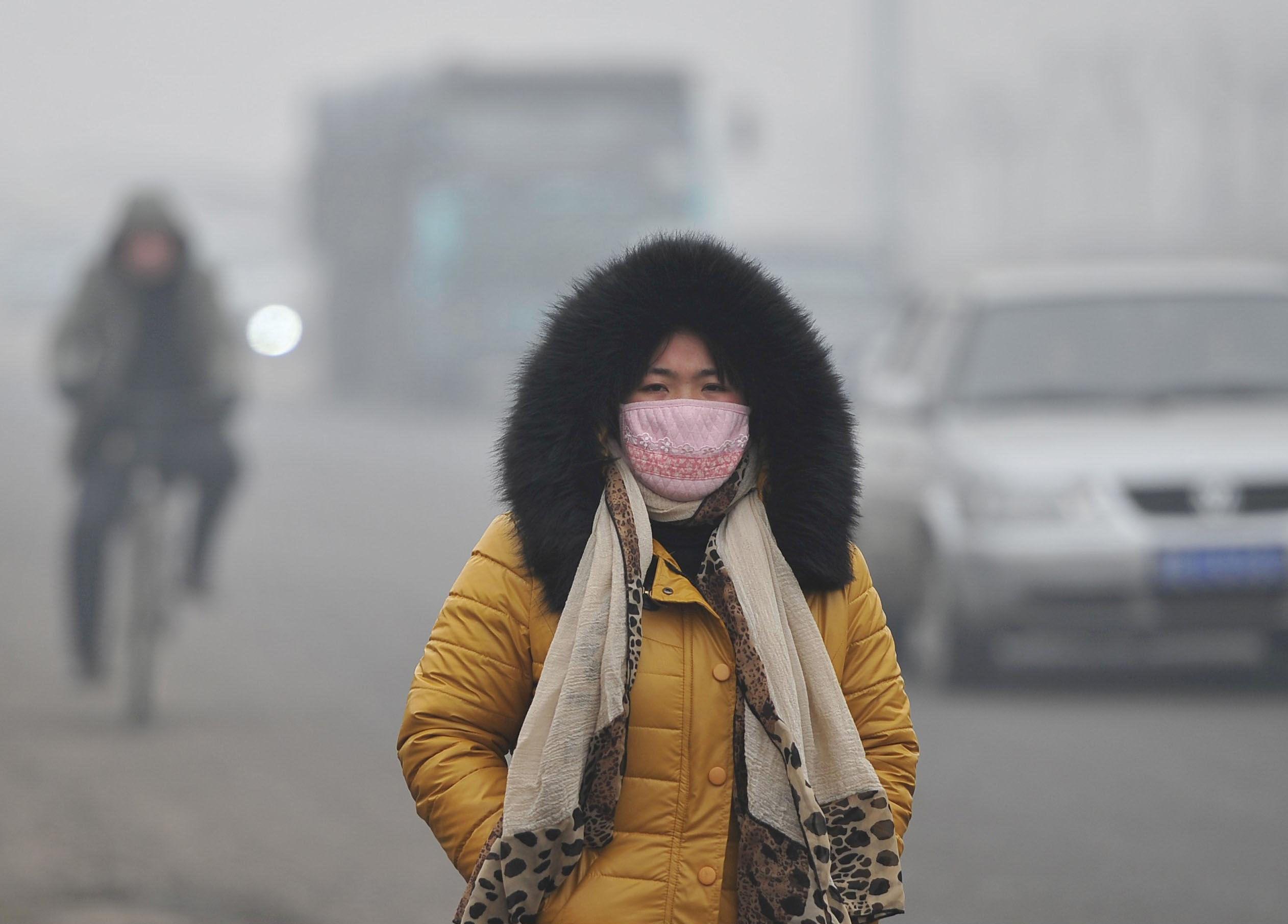 to wear - International china fashion week smog mask video
