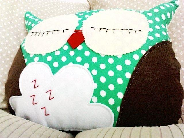 Eulenkissen // Owl pillow by Lieblingssachen81 via DaWanda.com