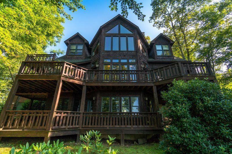 Highlands North Carolina Vacation Rental Close to Town