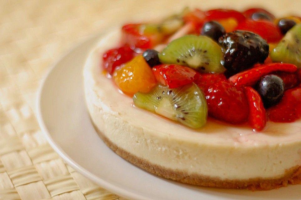 Der unglaublich cremige NY Cheese Cake, ein schönes Rezept aus der Kategorie Kuchen. Bewertungen: 1.873. Durchschnitt: Ø 4,8. #cakesandcheesecakes