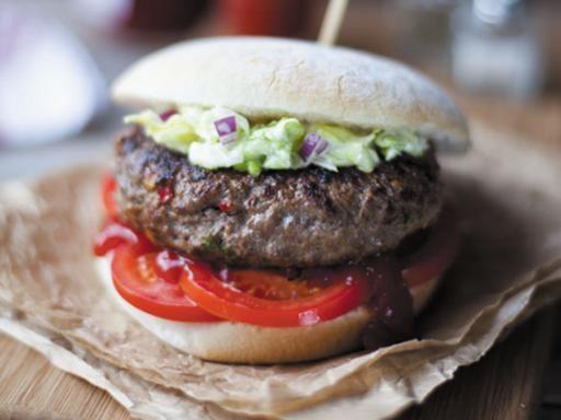 Rezept Feurig-scharfe Irish Beef Cheeseburger, unser Rezept Feurig-scharfe Irish Beef Cheeseburger - gofeminin.de