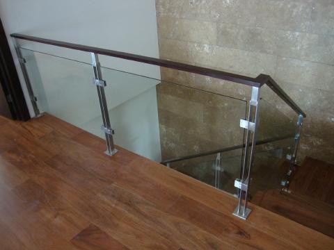 Resultado de imagen para barandas en acero inoxidable cuadrado y redondo y vidrio barandas - Pasamanos de cristal ...