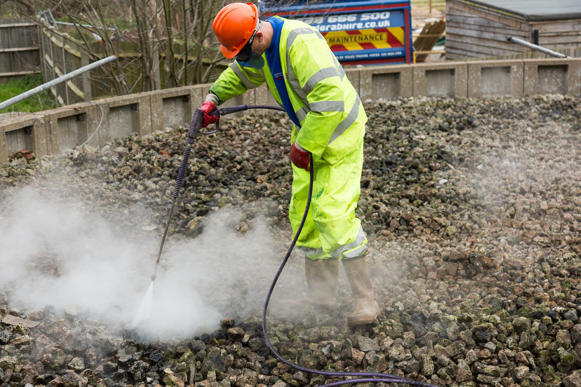 Cleansing a sewage filter bed. Septic tank, Septic tank