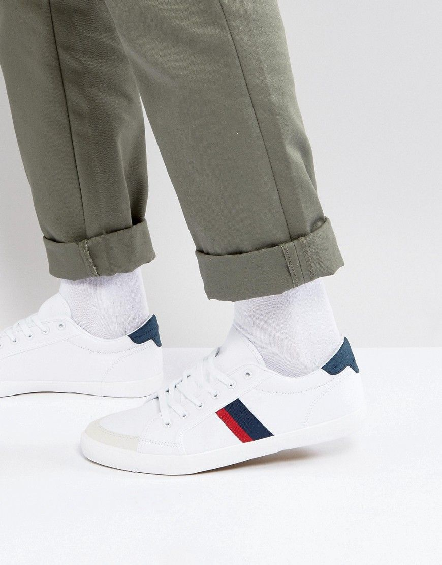 Get This Pull Bear S Sneakers Now Click For More Details Worldwide Shipping Pull Bear Trainers With Contrast Block Stripes In White White Tr Zapatos Zapas