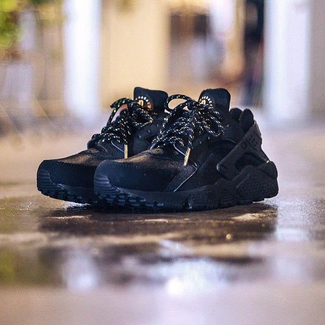 Buy Online nike huarache black and gold Cheap > OFF63% Discounted