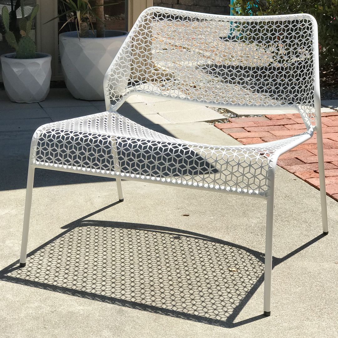 Hot Mesh Lounge Chair By Blu Dot Outdoor Furniture Inspiration Lounges