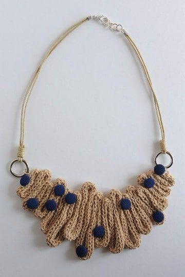 5513a747db61 Empieza hoy mismo a fabricar tus collares tejidos de moda