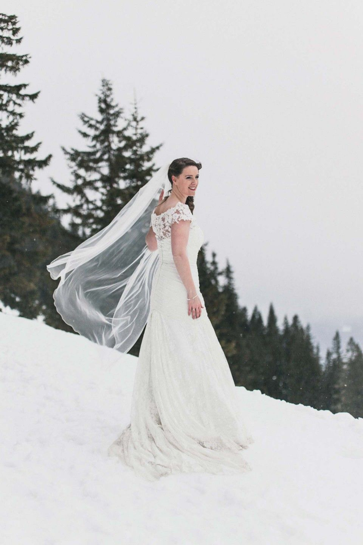Sarah & Marcel: Vorweihnachtliche Winterhochzeit im Allgäu WERTVOLL FOTOGRAFIE http://www.hochzeitswahn.de/inspirationen/sarah-marcel-vorweihnachtliche-winterhochzeit-im-allgaeu/ #wedding #inspo #winter