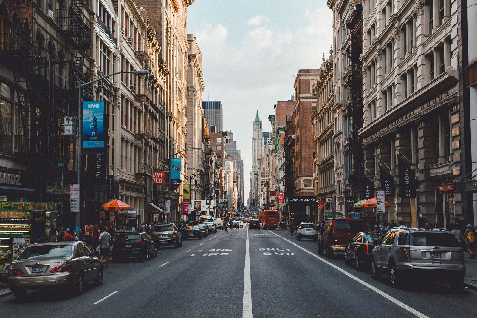 Looking Down The Middle Of A Street In New York By Samalive City Landscape City Pictures City