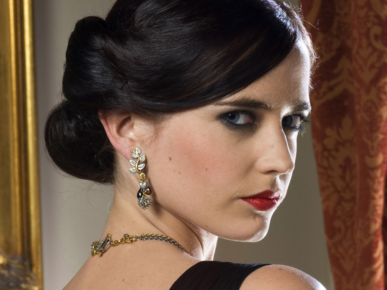 Eva Green Favorite Things Height Weight Biography.Eva Green wiki ...